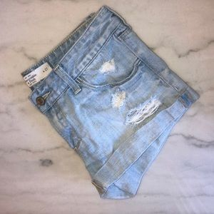 ABERCROMBIE || mid/low rise denim shorts